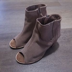 TOMS Booties Size 6